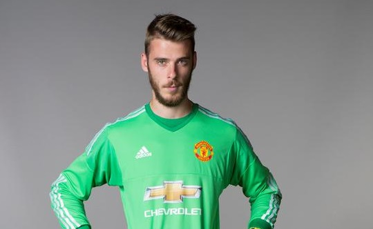 De Gea signs contract extension with Manchester United