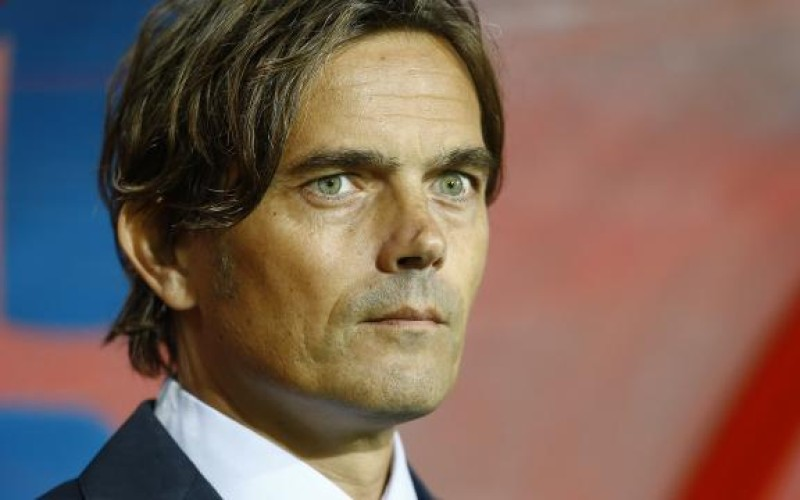PSV won't be scared of Manchester United, says coach Cocu