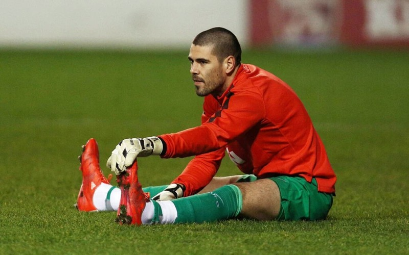 Van Gaal to fine Valdés if he arrives too early to the training ground