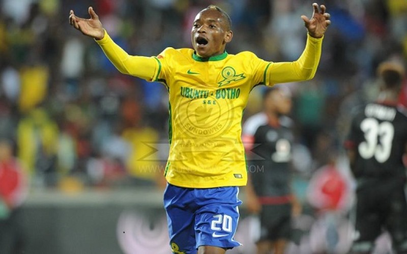 Report: European bid for Khama Billiat rejected