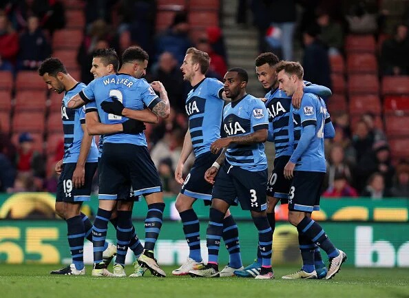 Tottenham's title hopes take a huge blow