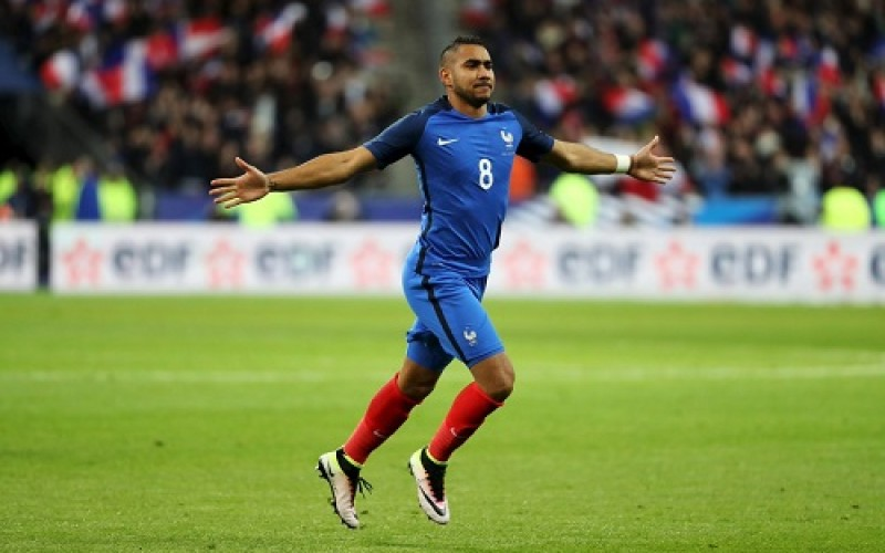 Payet stunner gives France Euro 2016 opening win
