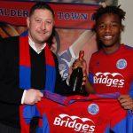Zimbabwe teen sensation Kundai  Benyu signs loan extension at Aldershot