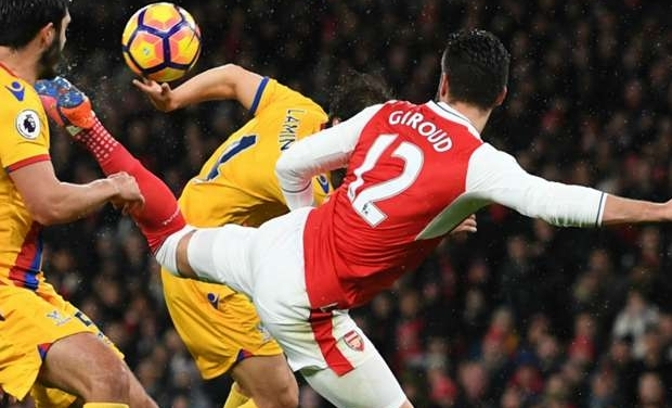 Olivier Giroud Cosies Up To China Super League